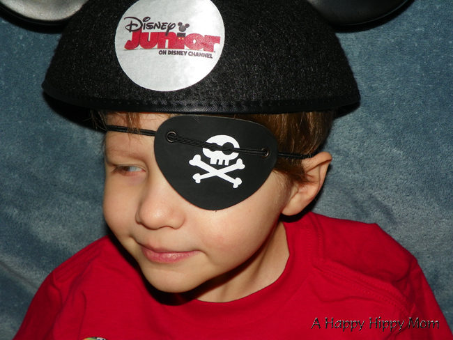 Yo Ho Mateys!  Disney Junior – Jake And The Never Land Pirates Holiday Episode Coming Dec 2!