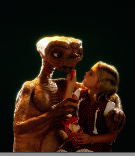 E.T., Drew Barrymore and Reeses Pieces-1