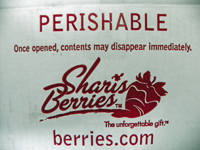 Shari's Berries Shipping Box