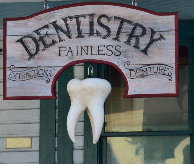 old-dentist-sign-signage-background