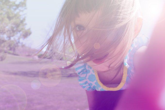 summer-sunshine-girl-playing