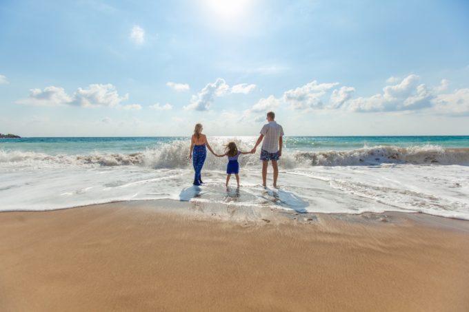 beach-family-fun-leisure